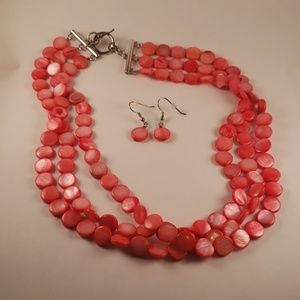Beautiful Coral Pearl Necklace/Earrings Set!